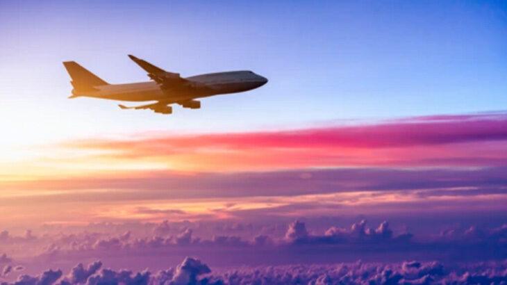 飛行機に長時間乗っても疲れないためには!?便利グッズをご紹介